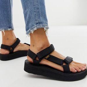 Teva Universal Midform sandal